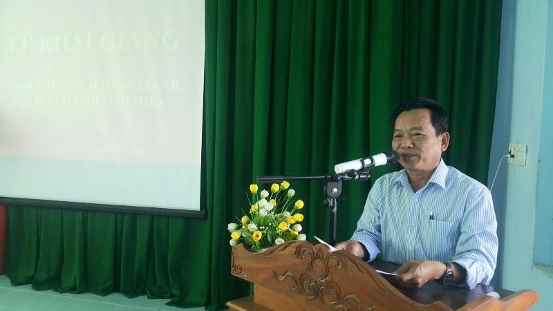 ThS.Trương Thuận, Giám đốc Trung tâm GDTX-HN tỉnh Ninh Thuận phát biểu khai giảng khóa học