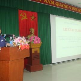 Đồng chí Nguyễn Thái Sơn, Ủy viên Ban Thường vụ, Trưởng ban Tuyên giáo Tỉnh ủy tỉnh Thừa Thiên Huế phát biểu tại Lễ khai giảng