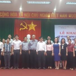 Đại biểu, giảng viên, cán bộ và các học viên chụp ảnh lưu niệm