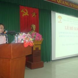 ThS. Phan Huyền Trang, Phòng Quản lý đào tạo, bồi dưỡng công bố các Quyết định cấp Chứng chỉ, khen thưởng