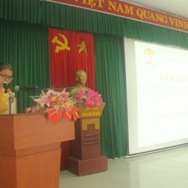 ThS. Mai Thị Phương Dung, Trưởng phòng Quản lý Đào tạo, bồi dưỡng công bố các Quyết định thành lập các Ban của Hội đồng tuyển sinh và các quyết định khác có liên quan
