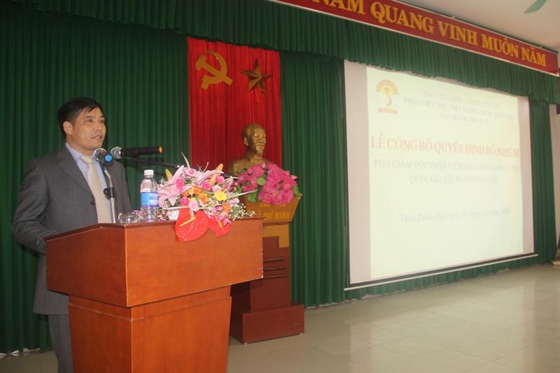 PGS.TS.Nguyễn Hoàng Hiển – Phó Giám đốc Phân viện Huế phát biểu nhận nhiệm vụ