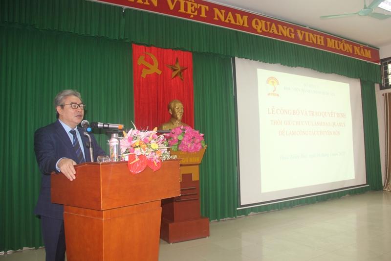 TS. Đặng Xuân Hoan, Bí thư Đảng ủy, Giám đốc Học viện Hành chính Quốc gia phát biểu tại buổi lễ