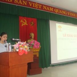 ThS. Vương Thị Kim Khuê, phòng Quản lý đào tạo, bồi dưỡng, Phân viện Huế công bố các Quyết định mở lớp