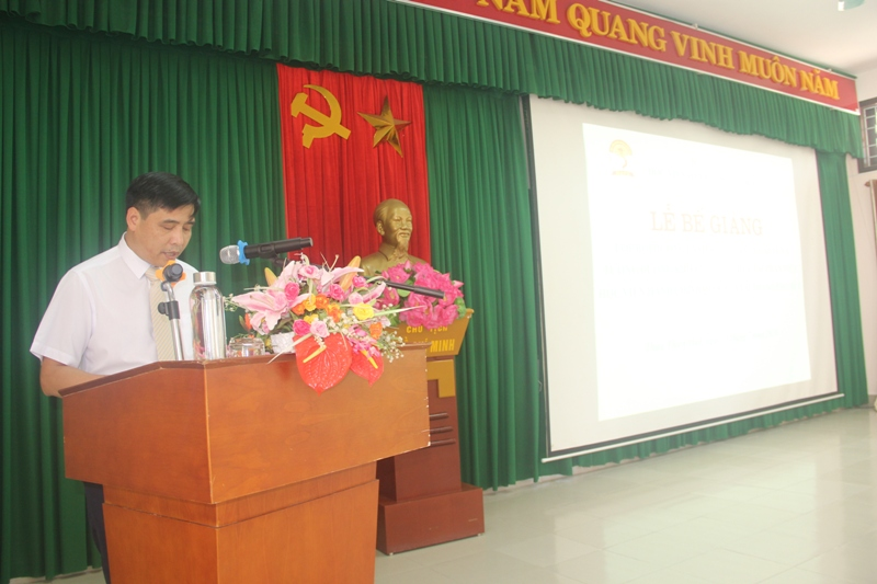 PGS.TS. Nguyễn Hoàng Hiển - Phó Giám đốc Phân viện Học viện Hành chính Quốc gia tại thành phố Huế phát biểu bế giảng khóa học