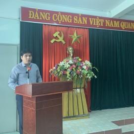 PGS.TS. Nguyễn Hoàng Hiển, Phó Giám đốc Phân viện Học viện Hành chính Quốc gia tại thành phố Huế phát biểu Khai giảng khóa học