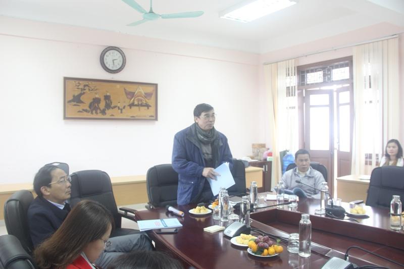 TS. Ngô Văn Trân, Nguyên Phó Giám đốc Thường trực Phân viện Huế phát biểu ý kiến tại buổi Tọa đàm