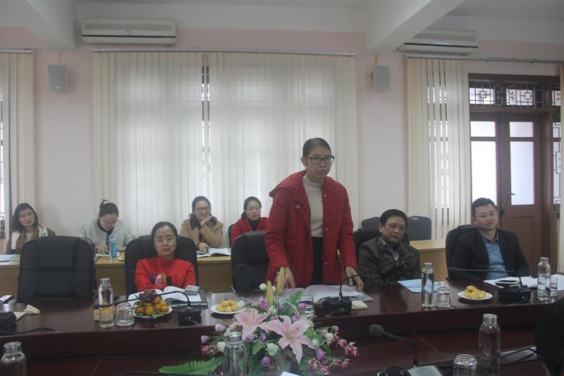 ThS. Mai Thị Phương Dung - Trưởng phòng Quản lý Đào tạo, bồi dưỡng, Phân viện Huế phát biểu tại buổi Tọa đàm