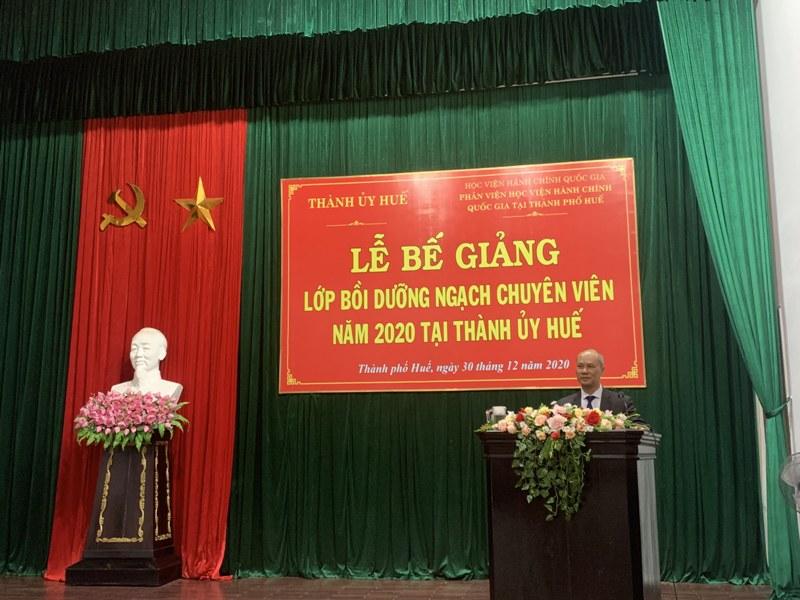 Học viên Nguyễn Như Hòa - Đại diện cho các học viên hai lớp tri ân tại Lễ Bế giảng