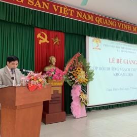 PGS.TS. Nguyễn Hoàng Hiển, Phó Giám đốc Phân viện Học viện tại TP.Huế  phát biểu Bế giảng khóa học