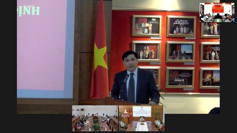 PGS.TS. Nguyễn Hoàng Hiển - Giám đốc Phân viện Học viện Hành chính Quốc gia  tại thành phố Huế phát biểu tại Lễ