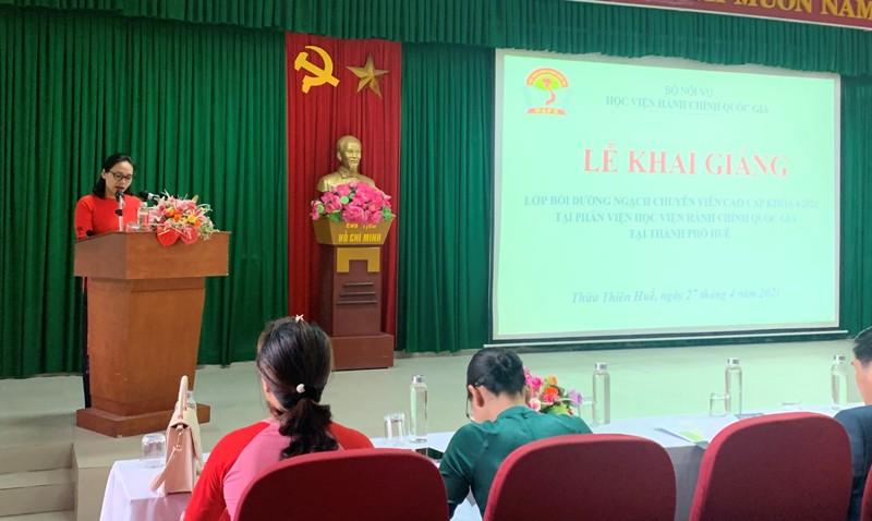 ThS. Trần Thị Thúy Loan – Phòng Tổ chức - Hành chính điều hành Lễ Khai giảng