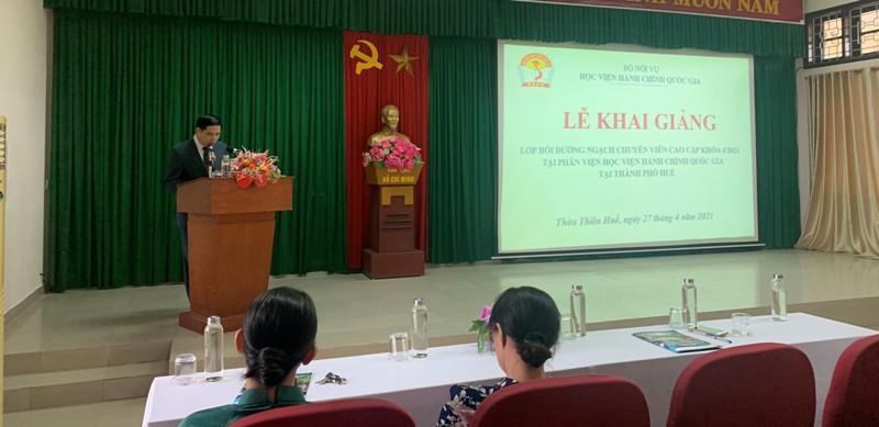 PGS.TS. Nguyễn Hoàng Hiển – Giám đốc Phân viện Học viện tại TP.Huế phát biểu chỉ đạo tại buổi Lễ Khai giảng