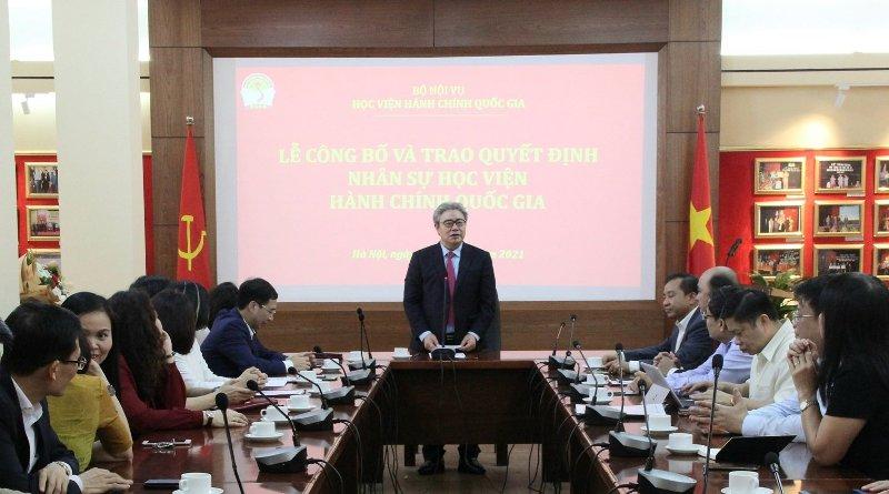 TS. Đặng Xuân Hoan phát biểu tại buổi lễ.