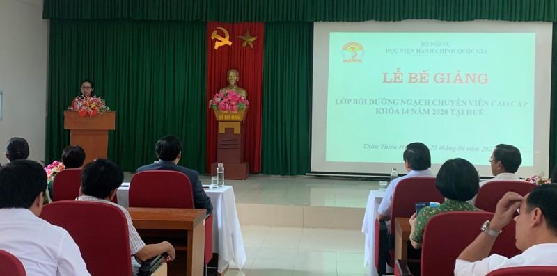 ThS. Trần Thị Thúy Loan - Phòng Tổ chức - Hành chính điều hành Lễ Bế giảng  lớp Bồi dưỡng ngạch CVCC khóa 14/2020