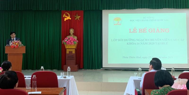 PGS.TS. Nguyễn Hoàng Hiển - Giám đốc Phân viện Học viện tại TP.Huế  phát biểu tại Lễ Bế giảng khóa học