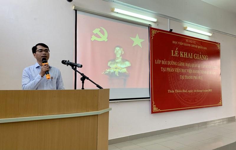 Đồng chí Lưu Tấn Lai – Phó Giám đốc Sở Nội vụ tỉnh Quảng Nam phát biểu tại Lễ Khai giảng