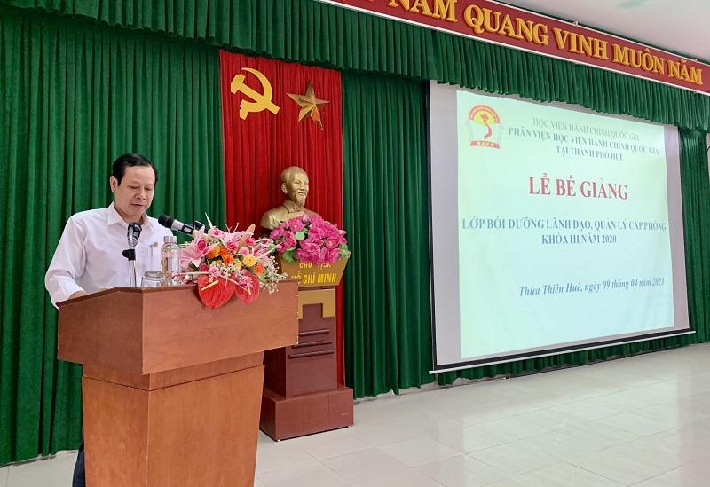 Đ/c Vũ Văn Minh - Ủy viên Ban cán sự Đảng, Phó Chánh án tòa án nhân dân  tỉnh Thừa Thiên Huế phát biểu