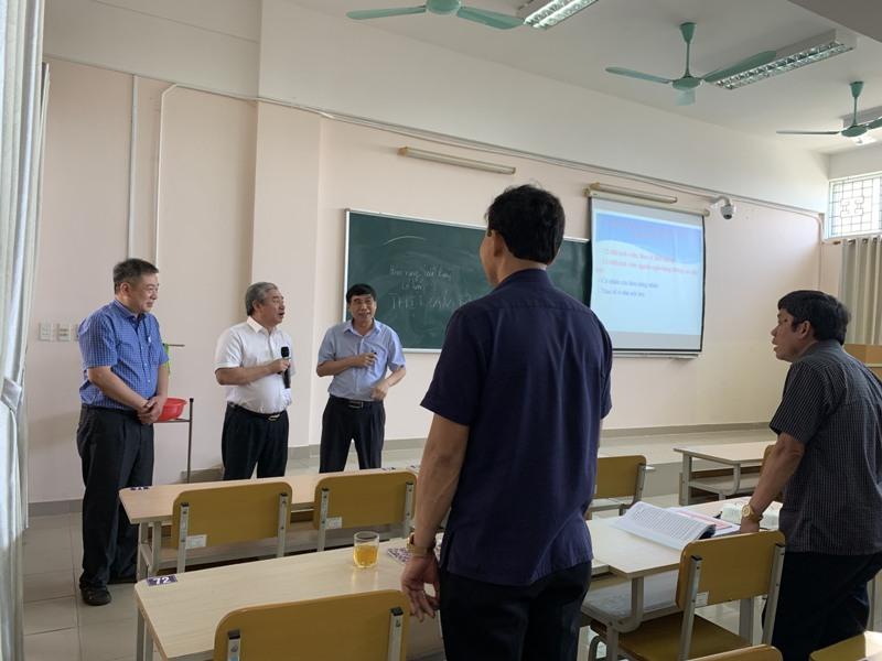 Giám đốc Học viện cùng Đoàn Khảo sát thăm lớp Bồi dưỡng ngạch chuyên viên cao cấp khóa 4/2021  tại Phân viện Học viện tại TP.Huế