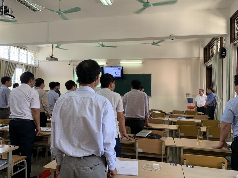 Giám đốc Học viện cùng Đoàn Khảo sát thăm lớp Bồi dưỡng lãnh đạo, quản lý cấp Sở khóa II/2021  tại Phân viện Học viện tại TP.Huế