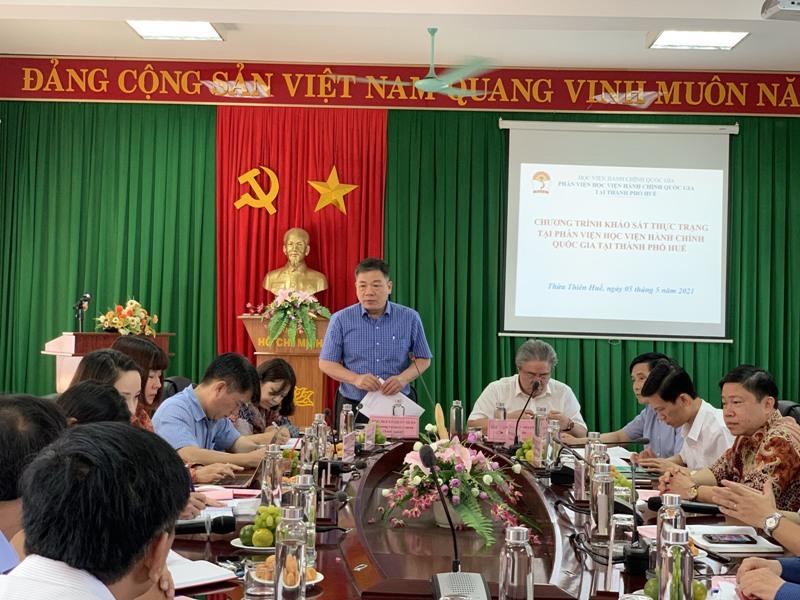Đ/c Nguyễn Hữu Tuấn - Ủy viên Ban Cán sự Đảng Bộ, Vụ trưởng Vụ Tổ chức cán bộ, Trưởng đoàn phát biểu tại buổi làm việc