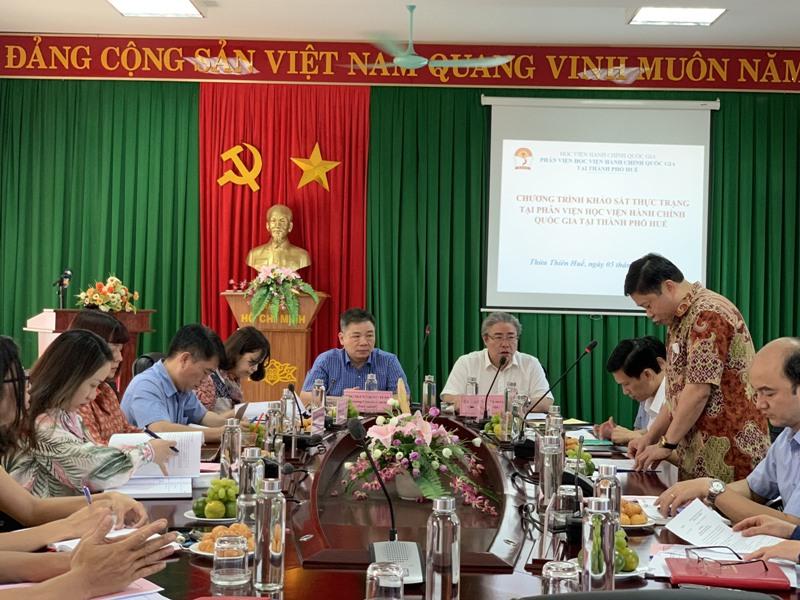 PGS.TS.Nguyễn Văn Hậu – Chánh Văn phòng Học viện Hành chính Quốc gia phát biểu tại buổi làm việc