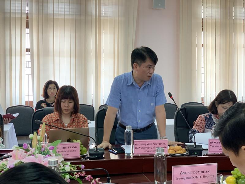 Đồng chí Phạm Hùng Thắng – Phó Vụ trưởng Vụ Tổ chức cán bộ phát biểu tại buổi làm việc