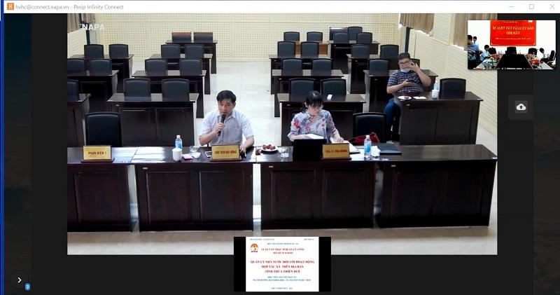 Các thành viên Hội đồng đánh giá luận văn cho học viên tại điểm cầu Học viện tại Hà Nội