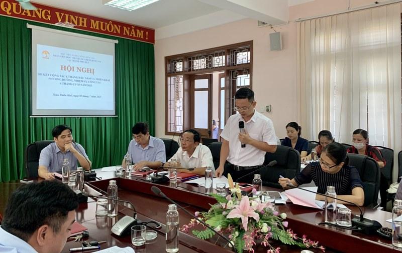 ThS. Lê Văn Mão – Trưởng Bộ môn Pháp luật, Hành chính và Tổ chức phát biểu tại Hội nghị