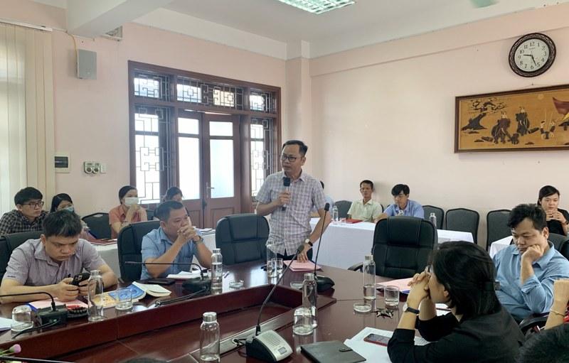 TS. Trần Hải Định - Giảng viên Bộ môn Pháp luật, Hành chính và Tổ chức phát biểu tại Hội nghị