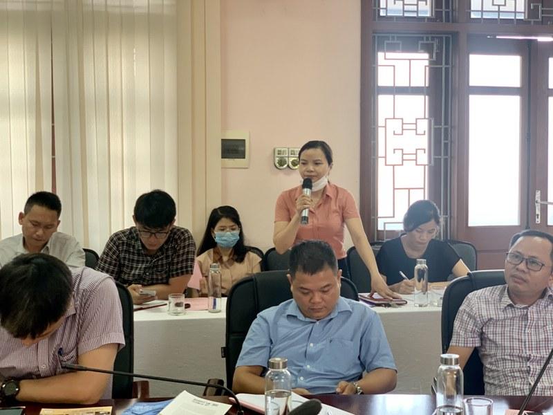 ThS. Nguyễn Thị Thủy – Chuyên viên phòng Quản lý đào tạo, bồi dưỡng phát biểu tại Hội nghị