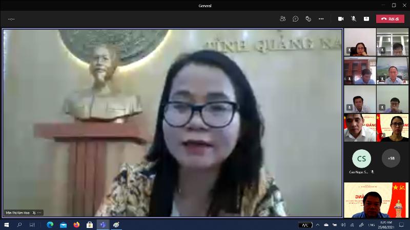 Đ/c Trần Thị Kim Hoa – Tỉnh ủy viên, Giám đốc Sở Nội vụ tỉnh Quảng Nam phát biểu tại Lễ khai giảng