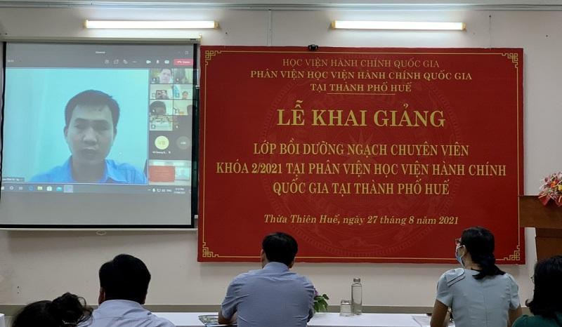 Đ/c Trần Đình Tri – Đại diện cho các học viên phát biểu tại Lễ khai giảng