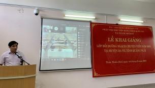 PGS.TS. Nguyễn Hoàng Hiển – Giám đốc Phân viện Học viện tại TP. Huế  phát biểu khai giảng khóa học