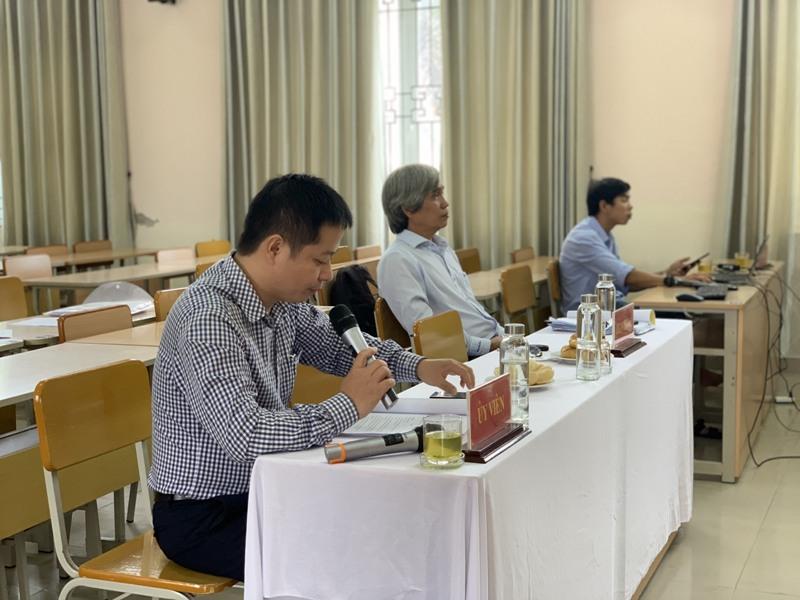 TS. Nguyễn Thanh Tuấn – Đại học Kinh tế, Đại học Huế đánh giá luận văn cho học viên tại điểm cầu Phân viện Học viện tại TP.Huế