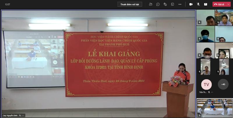 ThS. Trần Thị Thúy Loan – Phòng Tổ chức - Hành chính điều hành buổi Lễ Khai giảng