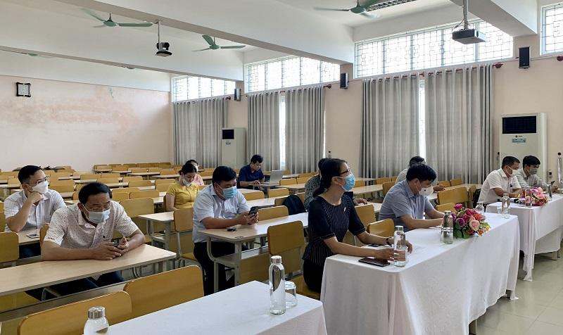 Các đại biểu tham dự tại điểm cầu Phân viện Học viện tại TP.Huế