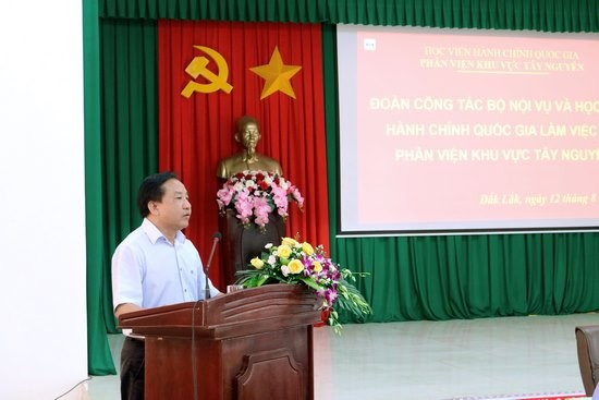 TS. Nguyễn Đăng Quế - Giám đốc Phân viện khu vực Tây Nguyên phát biểu tại buổi làm việc
