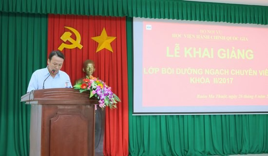 Đại diện học viên phát biểu