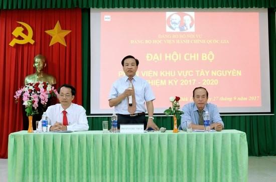Đoàn chủ tịch Đại hội chi bộ Phân viện khu vực Tây Nguyên điều hành Đại hội