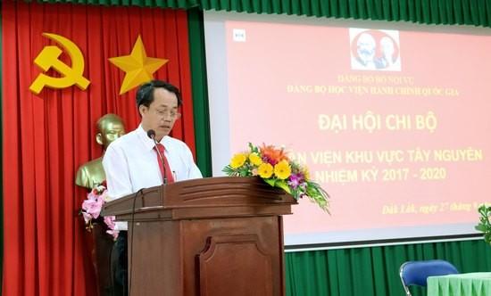 Đồng chí Lê Văn Từ