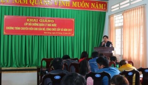 Ông Đinh Khắc Đô - Trưởng phòng Nội vụ huyện Đắk Song phát biểu tại buổi lễ