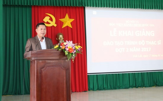 Anh Nguyễn Trọng Thắng đại diện cho học viên phát biểu tại buổi lễ