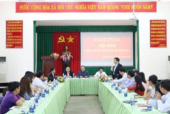 TS. Lê Như Thanh - Nguyên Phó giám đốc thường trực Học viện Hành chính Quốc gia phát biểu tại hội nghị