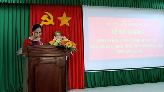 ThS. Nguyễn Thị Nghị - Chuyên viên khoa Đào tạo và Bồi dưỡng, Phân viện khu vực Tây Nguyên công bố kết quả lớp học.