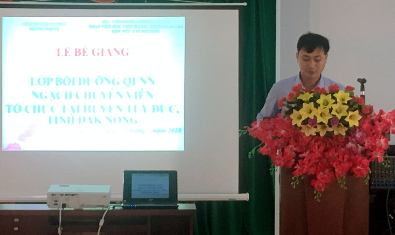 Ông Ngô Văn Thương - Đại diện cho học viên của lớp phát biểu cảm ơn