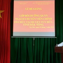 Đồng chí Trần Viết Cự - Huyện ủy viên, Phó Chủ tịch Ủy ban nhân dân huyện phát biểu tại buổi lễ