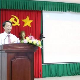 TS. Lê Văn Từ phát biểu bế giảng khóa học