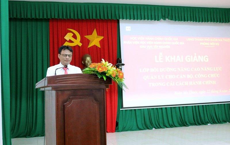 Ông Hồ Trung Kiên - Đại diện lãnh đạo Ủy ban nhân dân Thành phố phát biểu tại buổi lễ