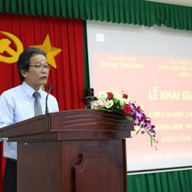 TS. Trần Trung Hỷ - Quyền trưởng Ban Đào tạo, Đại học Huế phát biểu tại buổi lễ